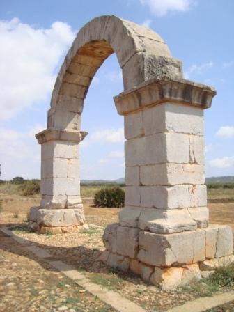 Arco romano de Cabanes (Castellón)