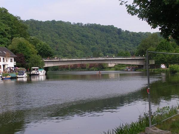 Puente de Balduinstein, sobre el Lahn (Alemania). Foto: Claudia Lenau. Fuente: http://structurae.net/photos/132164-balduinstein-bridge