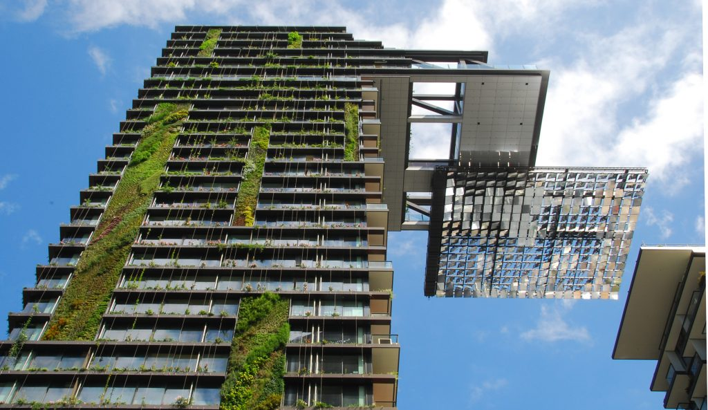 Hanging_gardens_of_one_central_park_sydney-1024x593