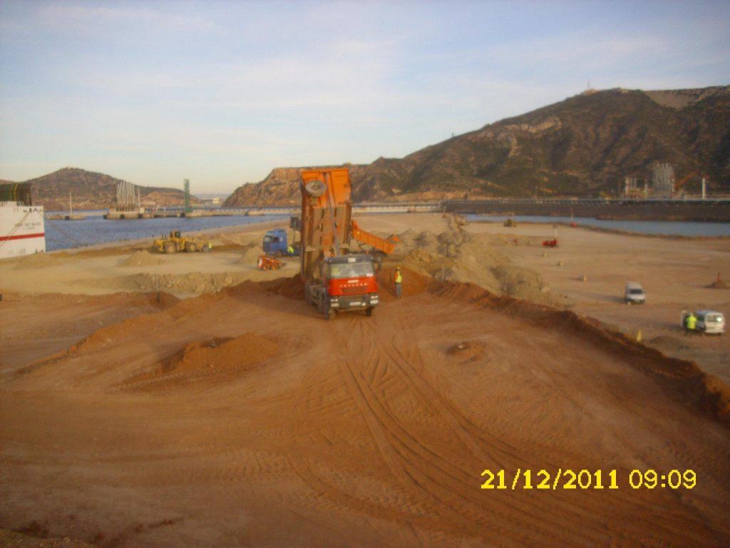 Precarga en dársena del puerto de Escombreras. http://opweb.carm.es/premiosingenieriacivil/faces/vervistaprevia.xhtml?codigo=E201646